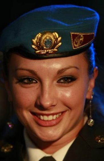 """""""Мисс Десант""""-2011 стала старший солдат из Николаева"""