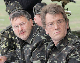 Чи поголиться колишній Міністр оборони?
