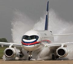 Российский Sukhoi Super Jet 100 уже 15 раз чуть не убил своих пассажиров