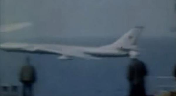 Летчикам ВВС РФ на заметку: чем кончилась имитация атаки на авианосец США