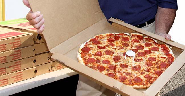Пицца стучится в дверь – доставка еды в Украине развивается