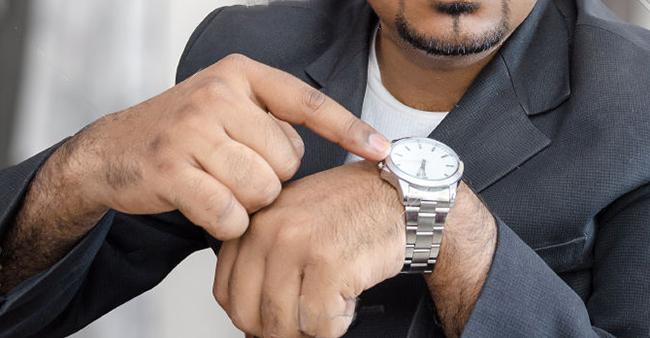 Ручные часы – это прекрасный подарок для мужчины.