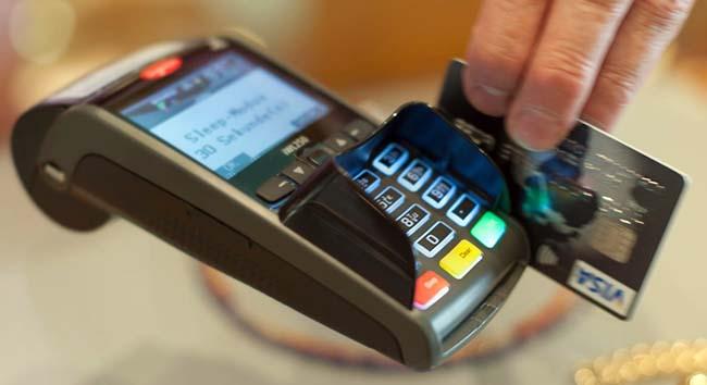 В Украине банковские карты продолжают вытеснять «наличку»
