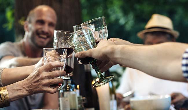 Крепкий алкоголь для крепкой дружбы
