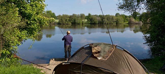 Палатка для рыбалки: как выбрать солидный, легкий и удобный вариант